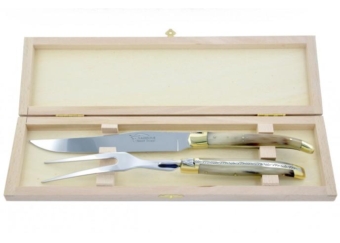 Service à découper Laguiole. Couteau et fourchette finition laiton avec manches galbés en