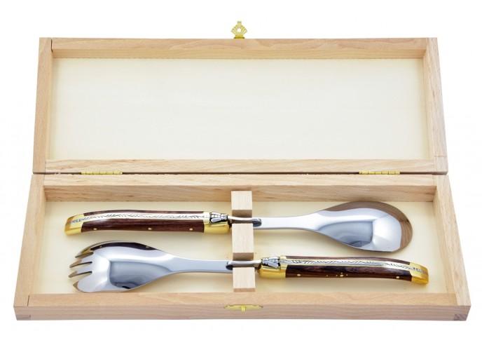 Service à salade Laguiole. Fourchette et cuillère finition laiton, manches fins en bois de