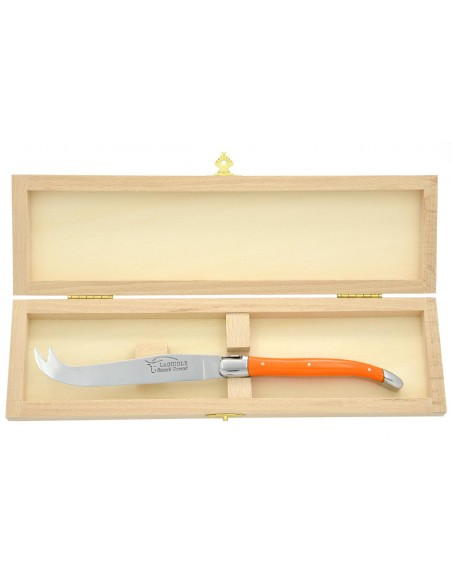 Couteau à fromage Laguiole. Finition inox brillant, manche en corian orange, lavable en machine
