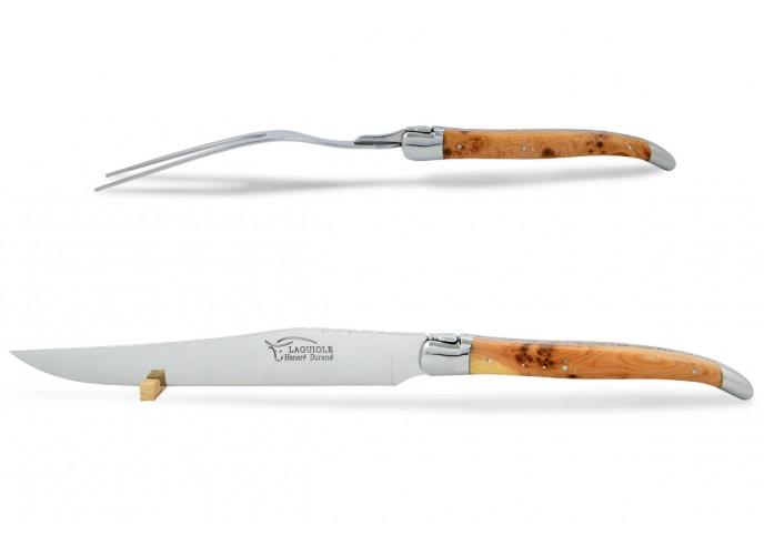 Service à découper Laguiole. Couteau et fourchette finition inox brillant avec manches galbés en genévrier-cade