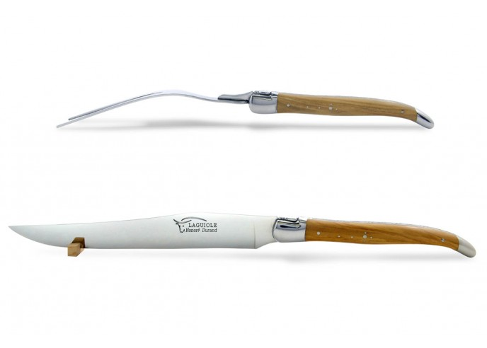 Service à découper Laguiole. Couteau et fourchette finition inox brillant avec manches fins en bois d'olivier