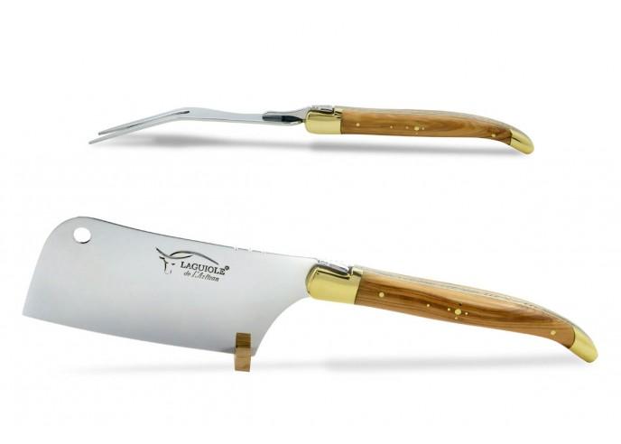 Service à fromage Laguiole. Couperet et fourchette finition laiton, manches galbés en bois d'olivier
