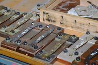 Divers outils support pour soudure par point des mitres avec les platines